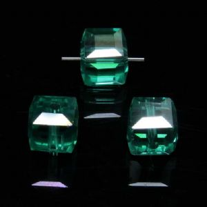 Beads, Auralescent Crystal, Crystal, Green AB, Faceted square shape, 8mm x 8mm x 8mm, 1 Bead, [ZZD0038]